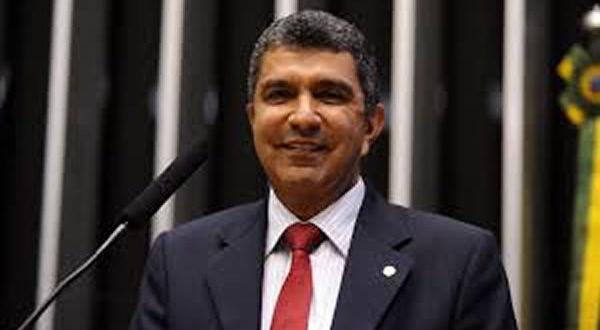 Sergio Vidigal investe R$ 100 mil na Apae de Cariacica