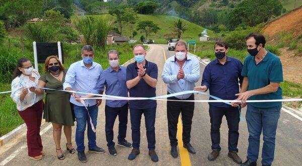Governador Casagrande entrega obras nos municípios de Muqui e Castelo
